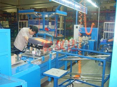 江森座椅生产线